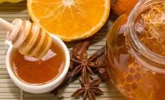 Trateaza-te simplu si natural la tine acasa cu ajutorul mierii